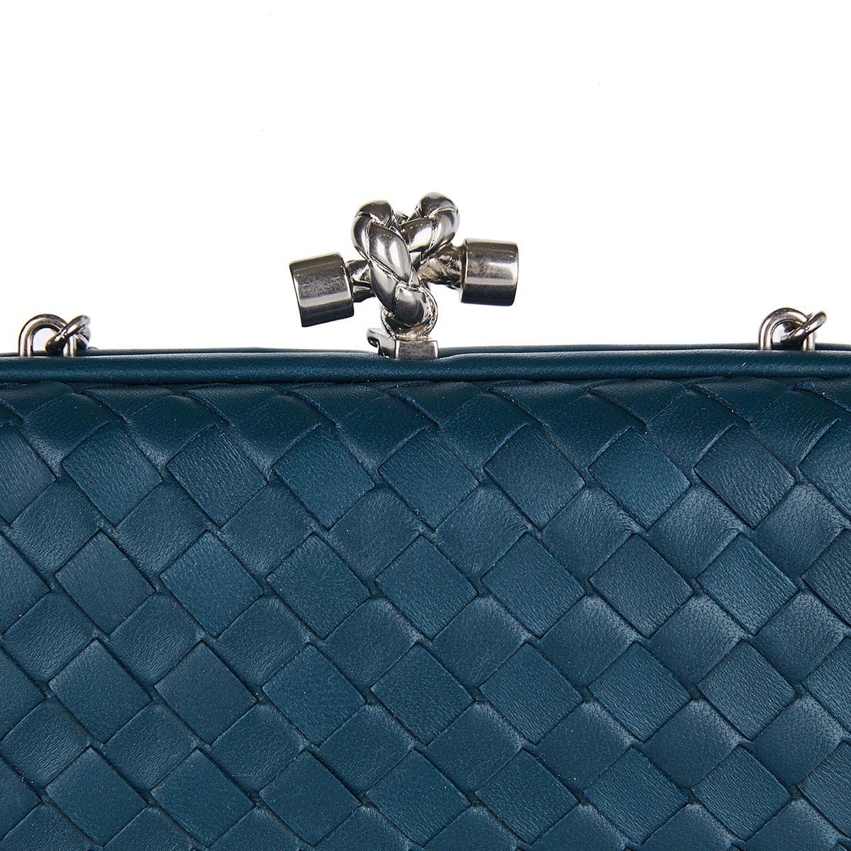 Intrecciato leather chain knot clutch