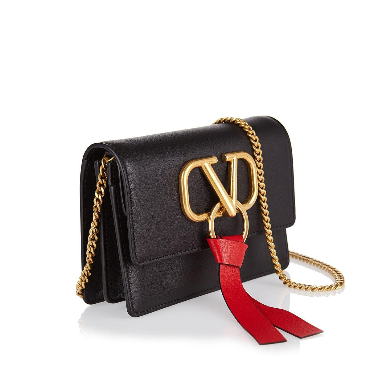 V-ring mini chain bag