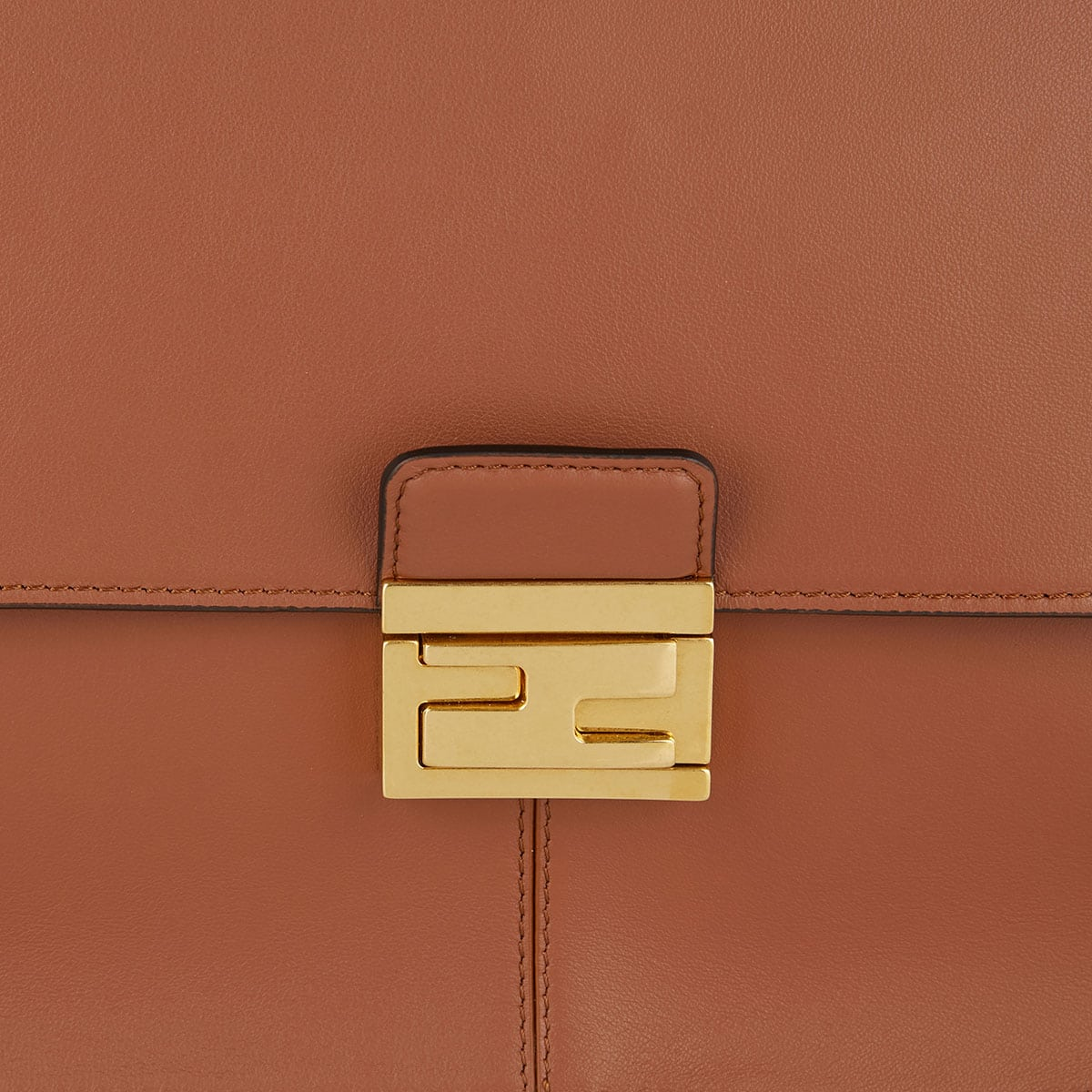 Kan U large leather bag
