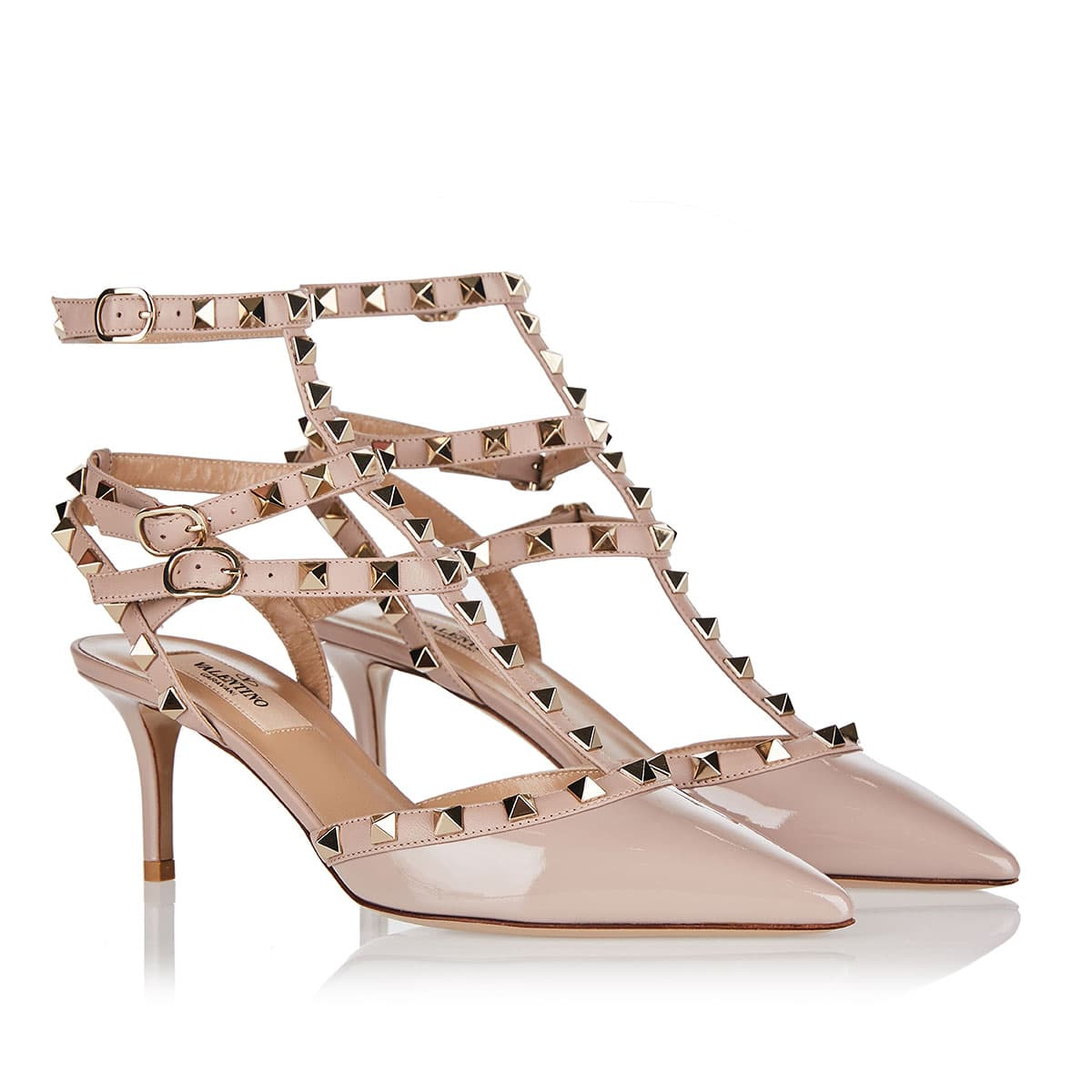 Rockstud patent and leather pumps