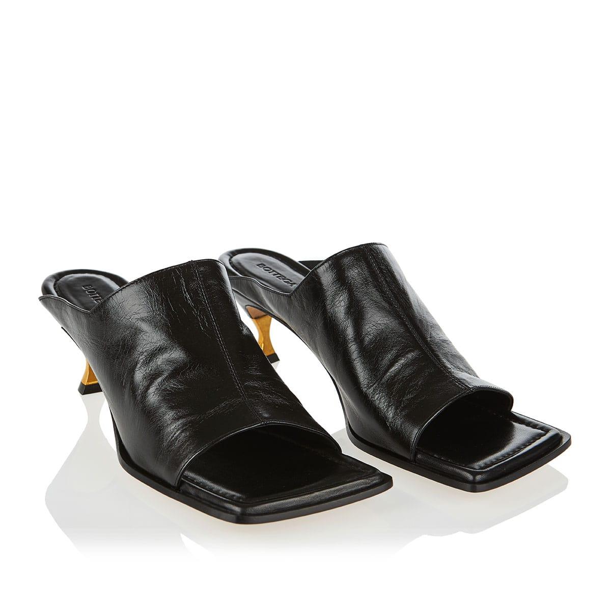 Square-toe leather mules