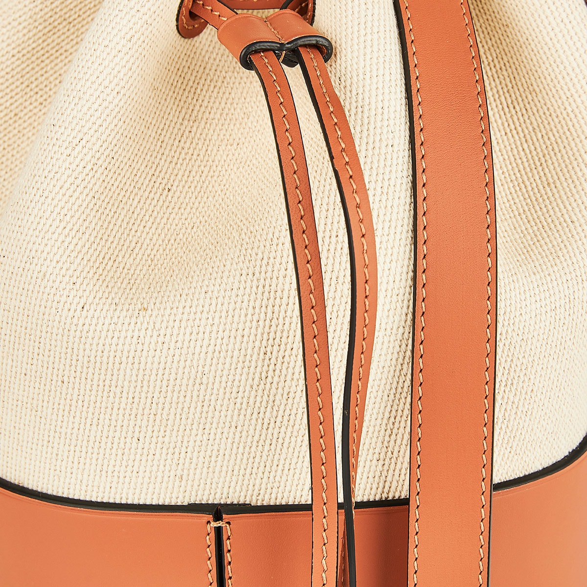 Balloon small canvas and leather bag