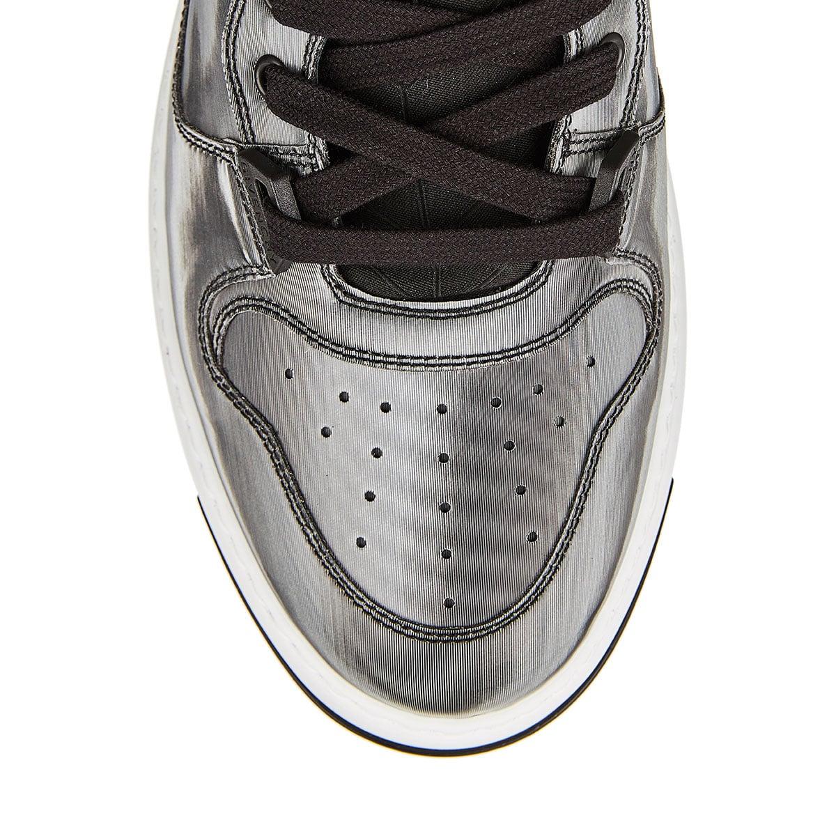 Wing hologram low-top sneakers