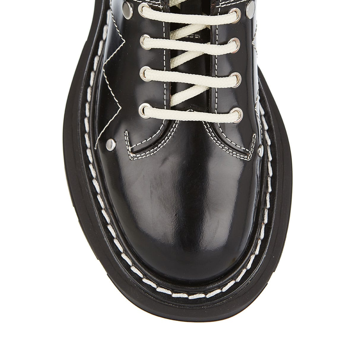 Lace-up tread boots