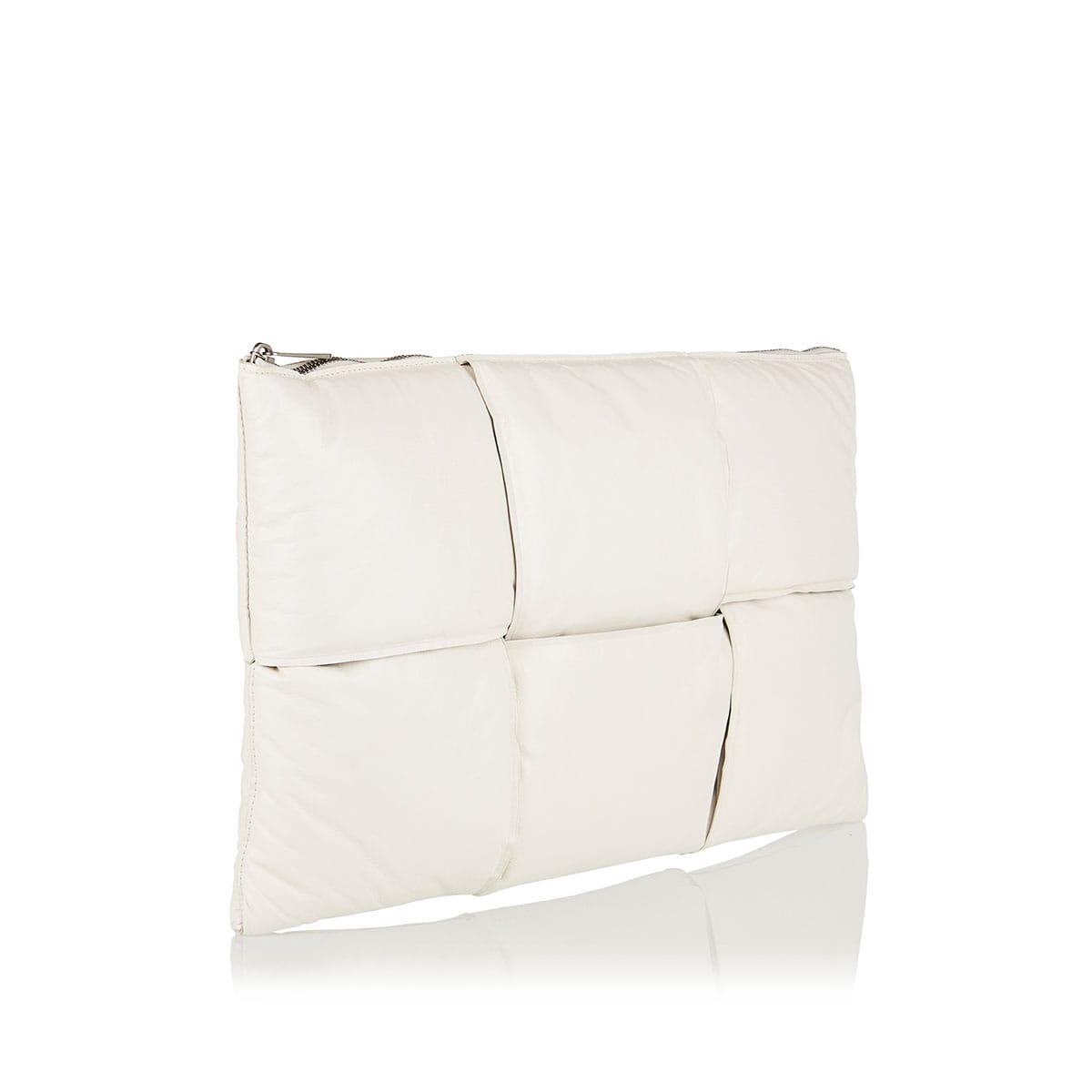 Maxi Intreccio padded pouch