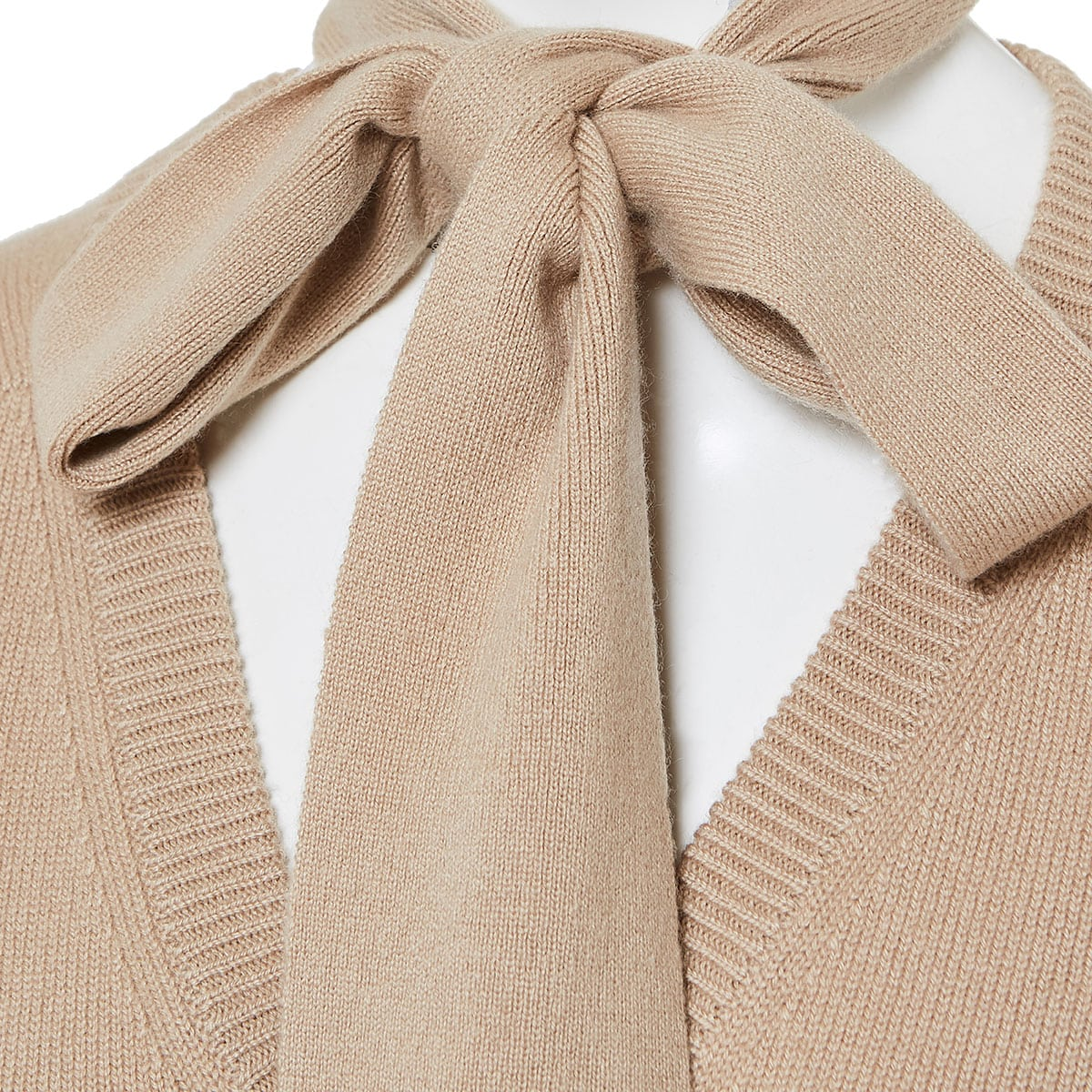 Cashmere sweater with scarf