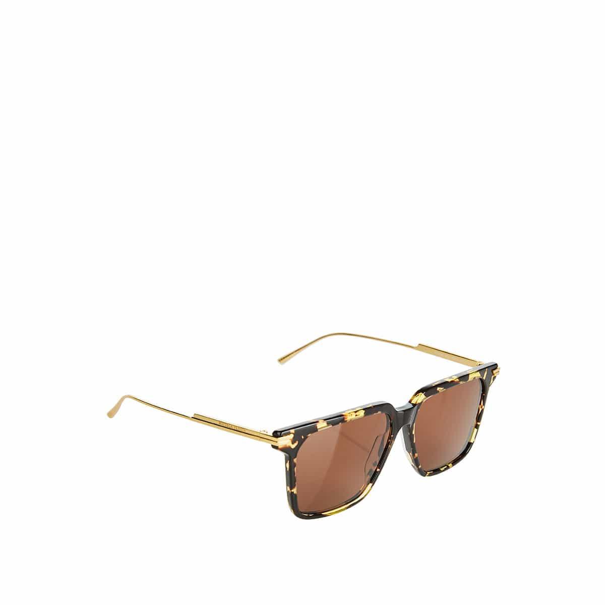 Oversized tortoiseshell square sunglasses