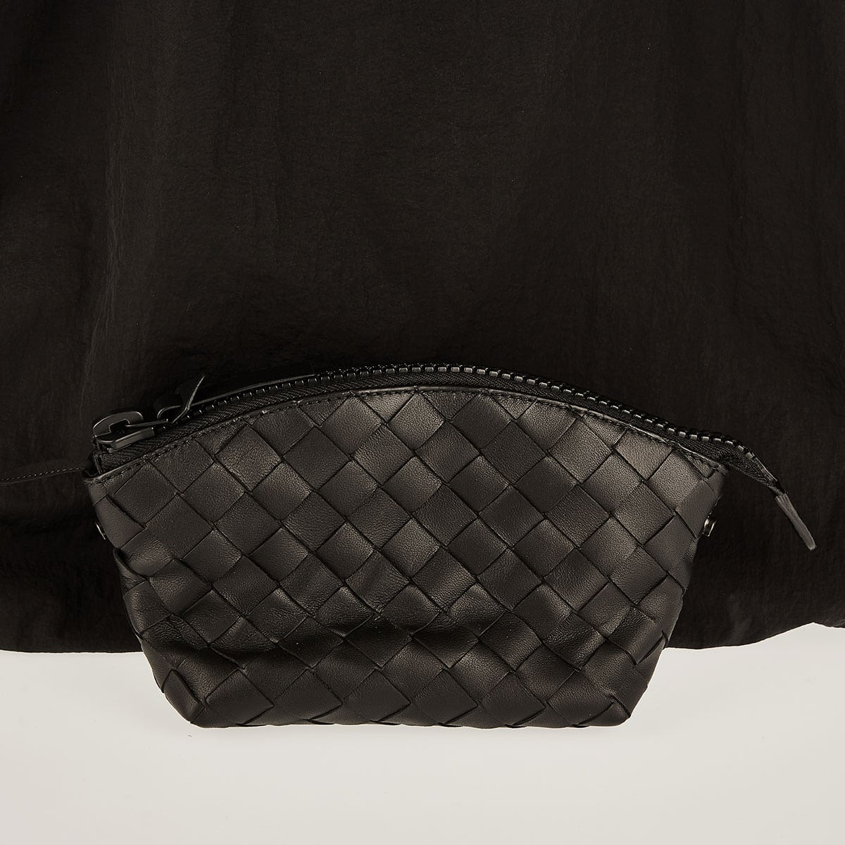 Foldable nylon tote