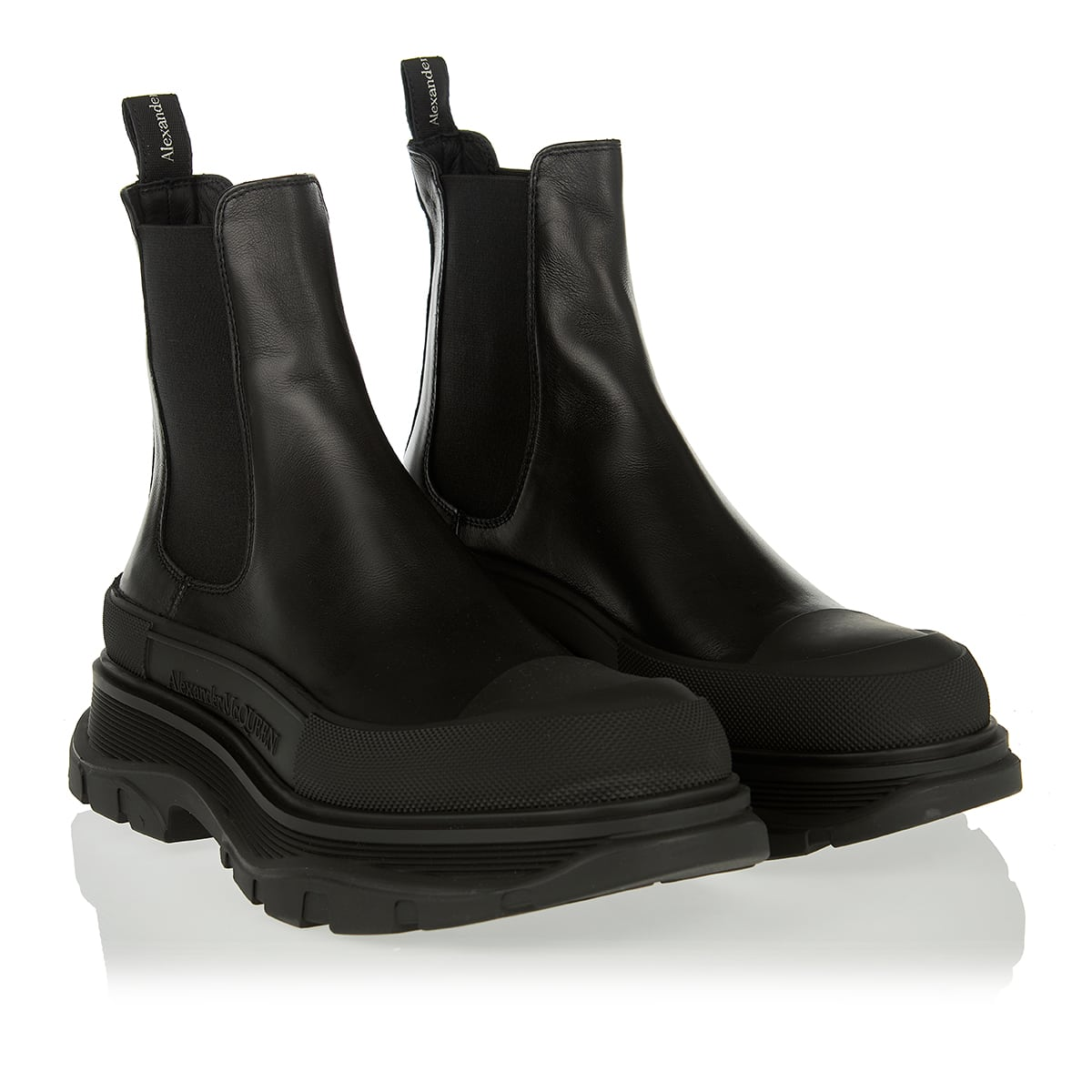 Tread-sole leather Chelsea boots