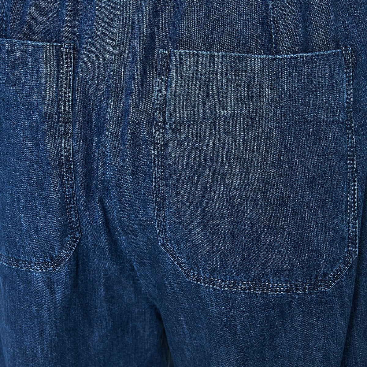Loose-fit jeans