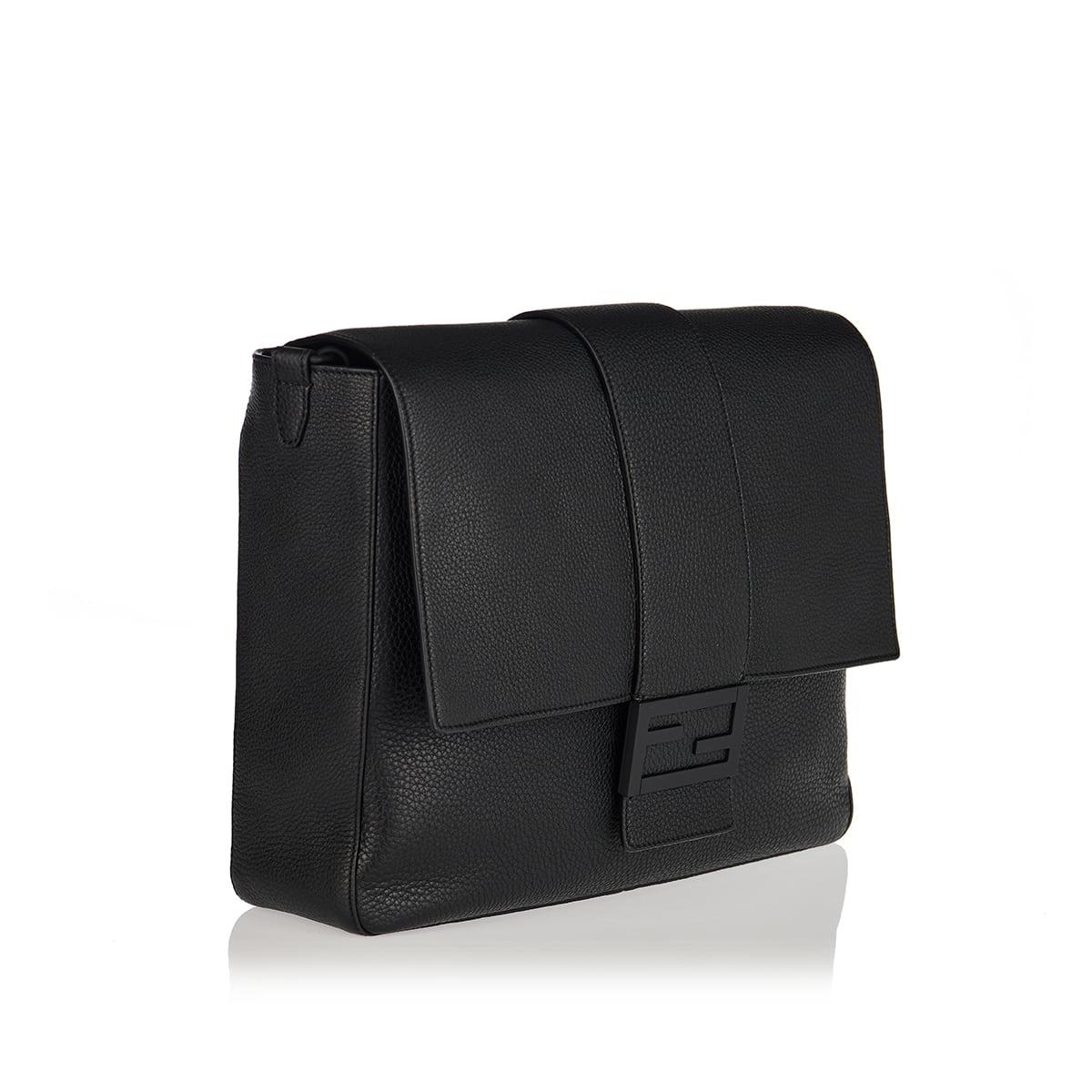 Baguette leather messenger bag