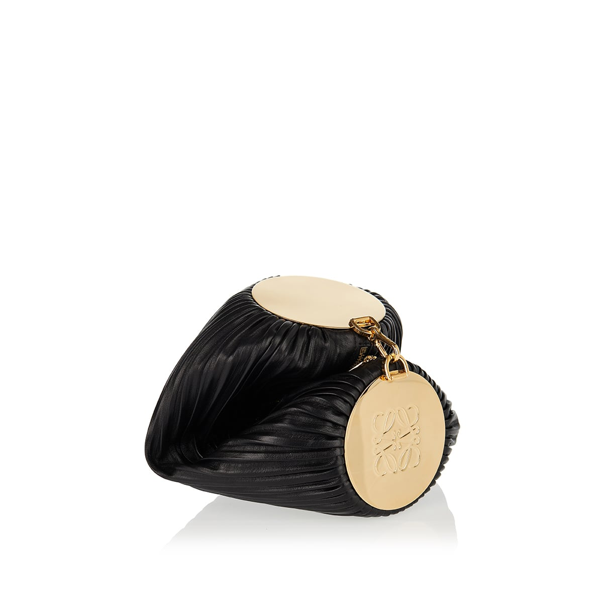 Bracelet pleated leather pouch