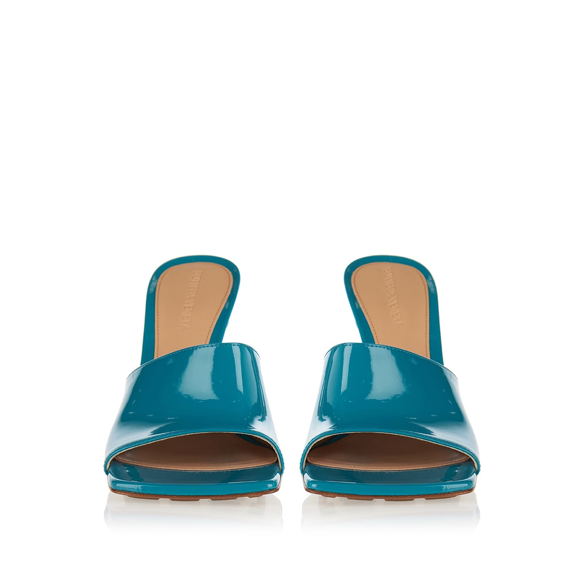 Stretch patent leather mules
